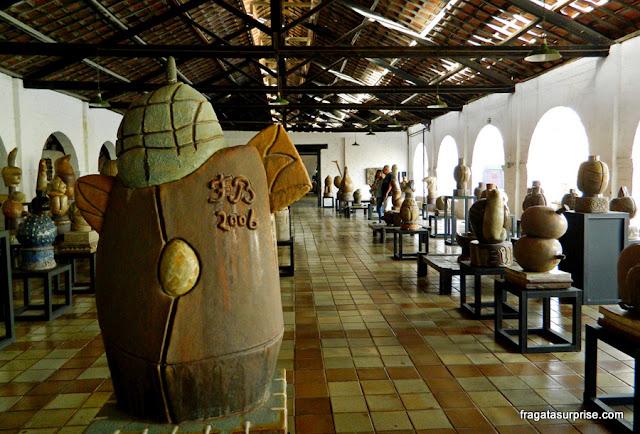 Galeria de esculturas no Museu Oficina de Brennand, Recife