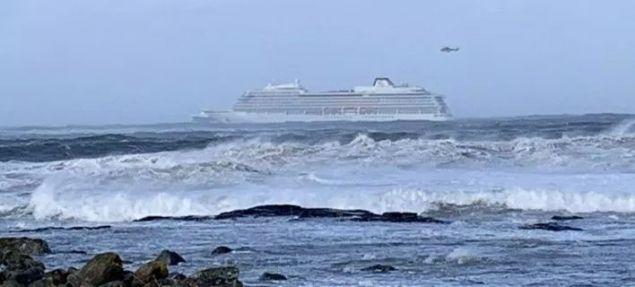 Ακυβέρνητο κρουαζιερόπλοιο στα ανοικτά της Νορβηγίας - Εκκενώνεται από τους 1.300 επιβάτες