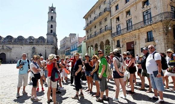 Llegó a Cuba el visitante extranjero 3 millones del 2016