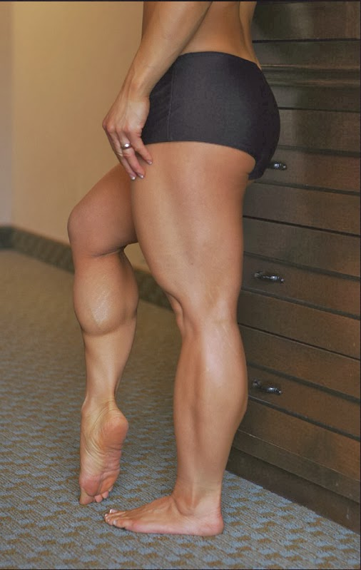 nude women with thick muscular legs calves