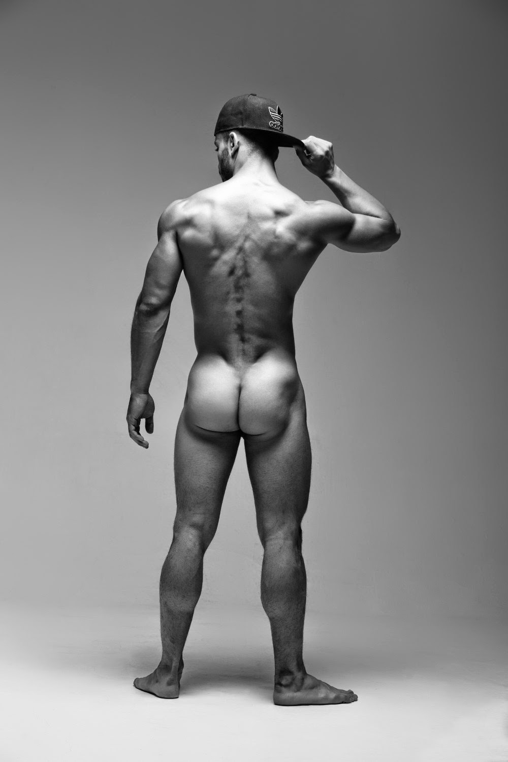 robin-byrd-show-male-models-nude