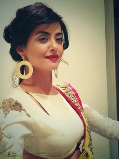 Surveen Chawla Gold Hoops
