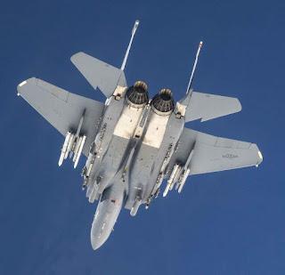 Ujicoba AMRAAM Dengan F-15E Strike Eagle