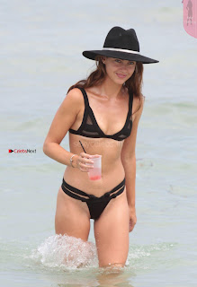 Victoria-Edwards-Hot-in-a-Bikini-in-Miami-Beach-10+%7E+SexyCelebs.in+Exclusive.jpg