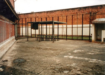Two Yard, Boggo Road. The shelter shed, with table, benches and TV box,  is in the centre. (BRGHS)