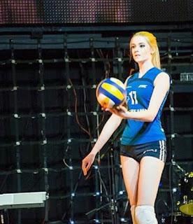 Alisa Manyonok atlit bola voli cantik mirip barbie4