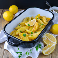 http://siasoulfood.blogspot.de/2015/08/ofenkartoffeln-mit-zitrone-patates.html