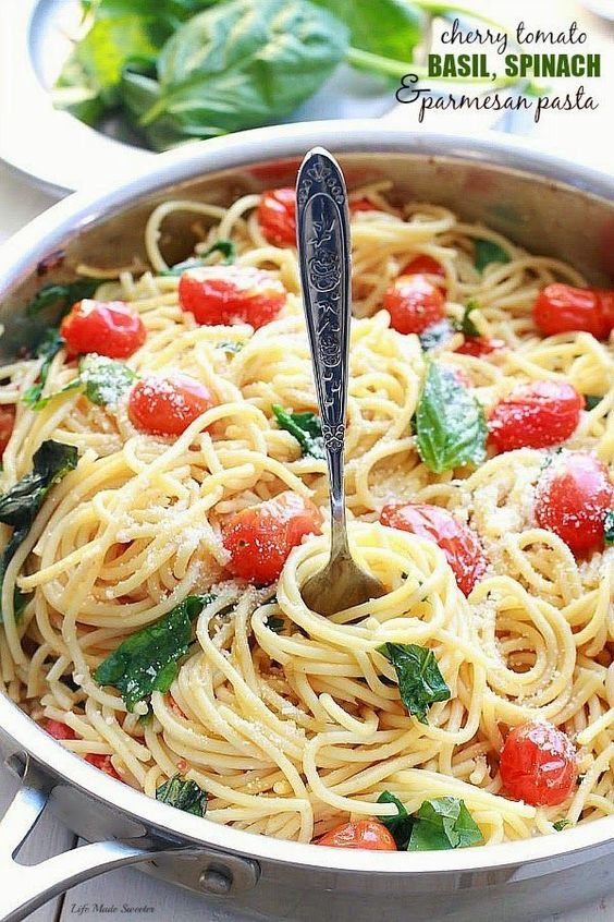 CHERRY TOMATO BASIL SPINACH AND PARMESAN PASTA #cherry #tomato #basil #spinach #parmesan #pasta #pastarecipes