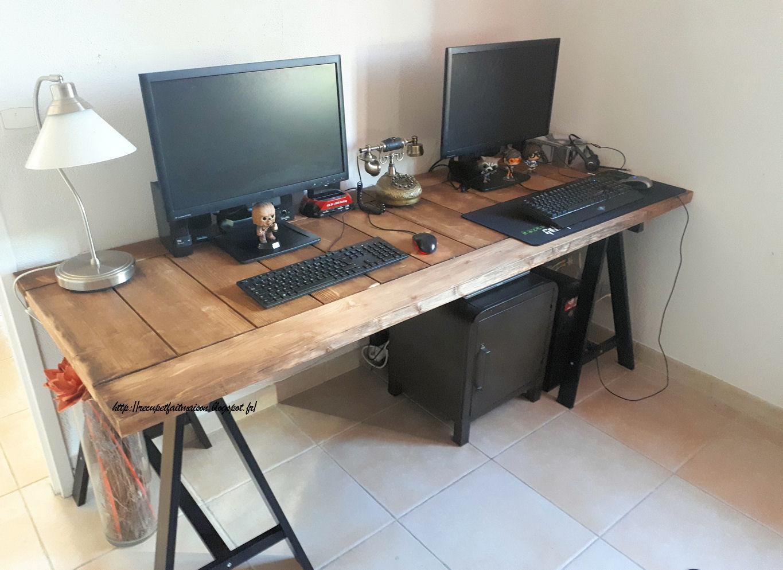 r cup et fait maison des id es r cup et d co fabriquer un bureau avec une ancienne porte. Black Bedroom Furniture Sets. Home Design Ideas