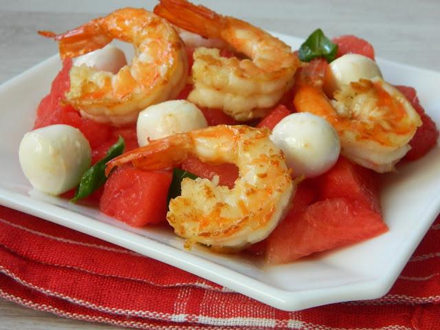 Salata de pepene verde cu mozzarella si creveti