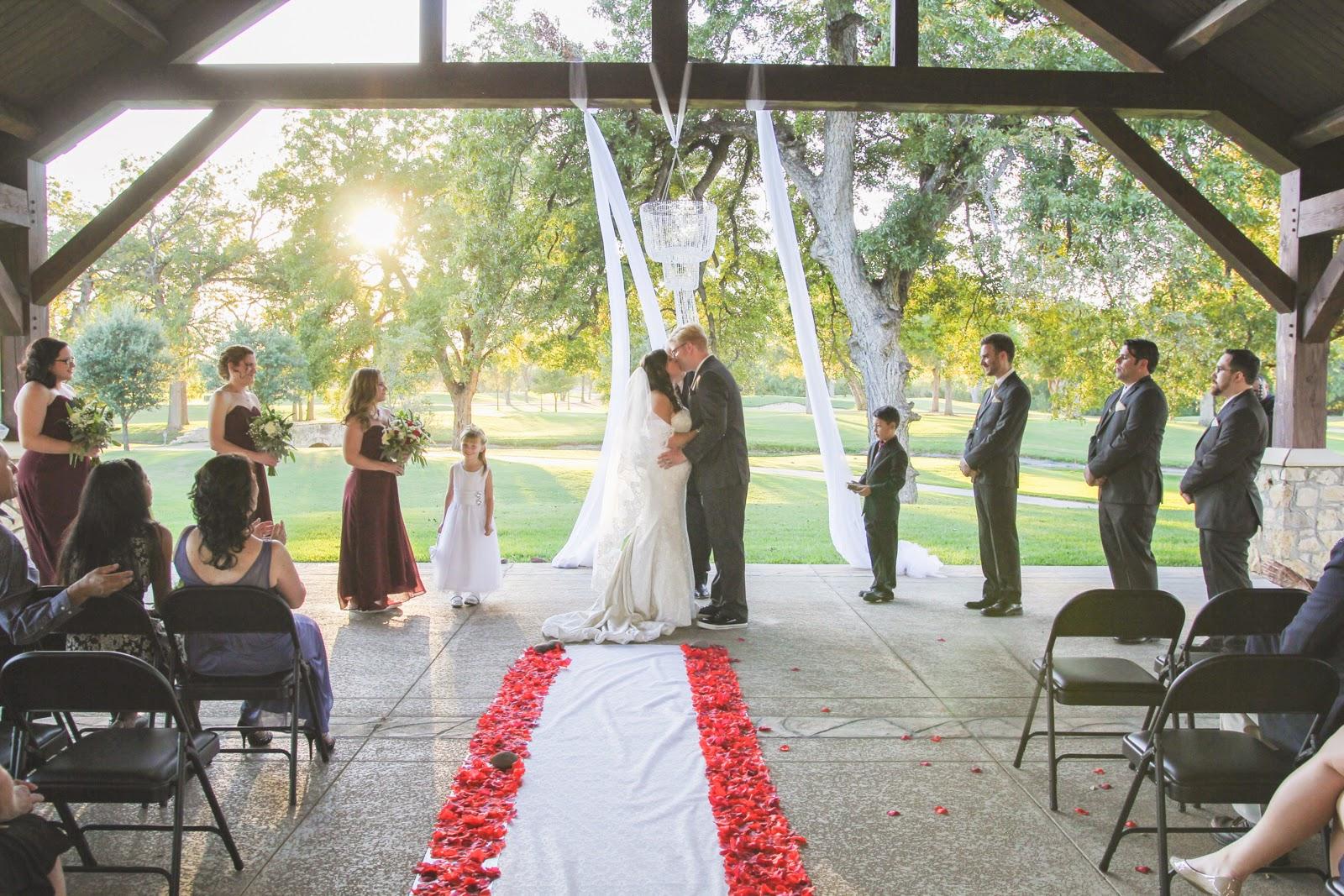 Victoria K Photography Wedding At San Antonio Golf Club At Borglum Studio
