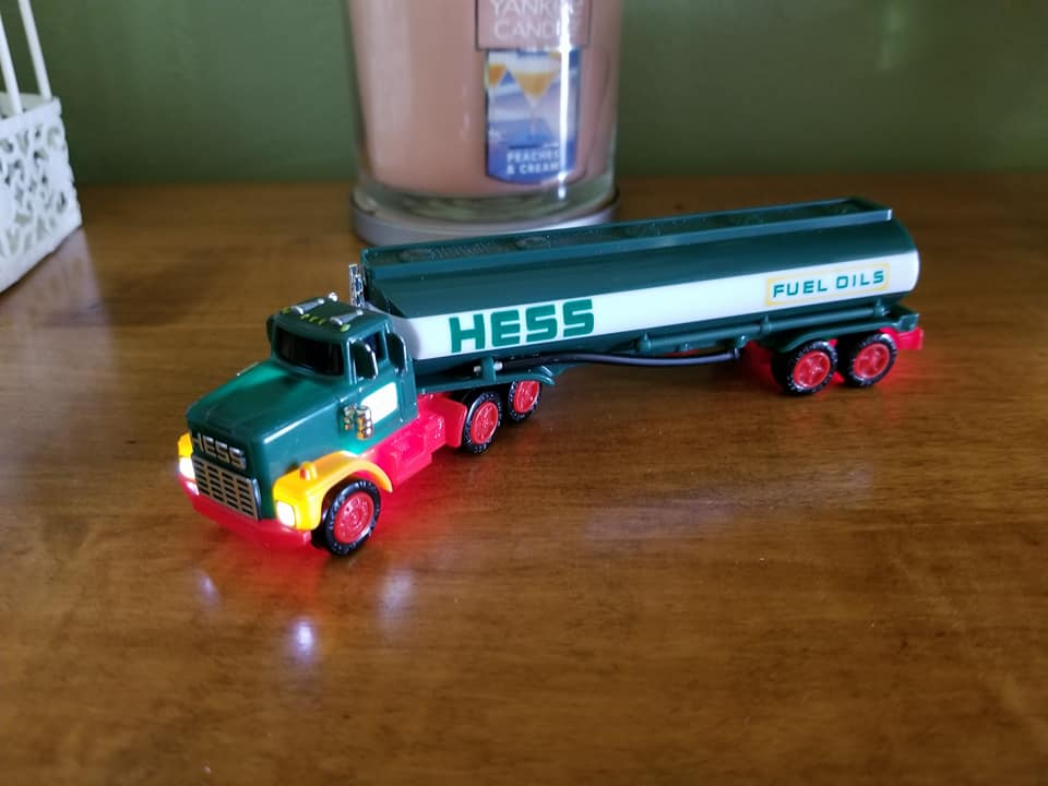2018 hess toy truck collectors edition