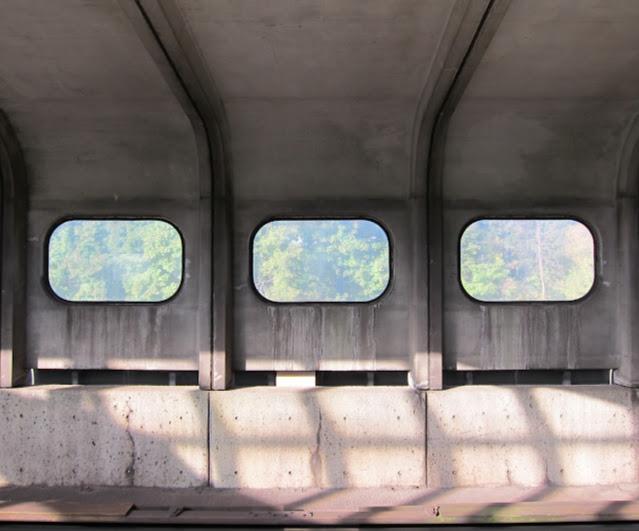 Yorkdale station platform walls