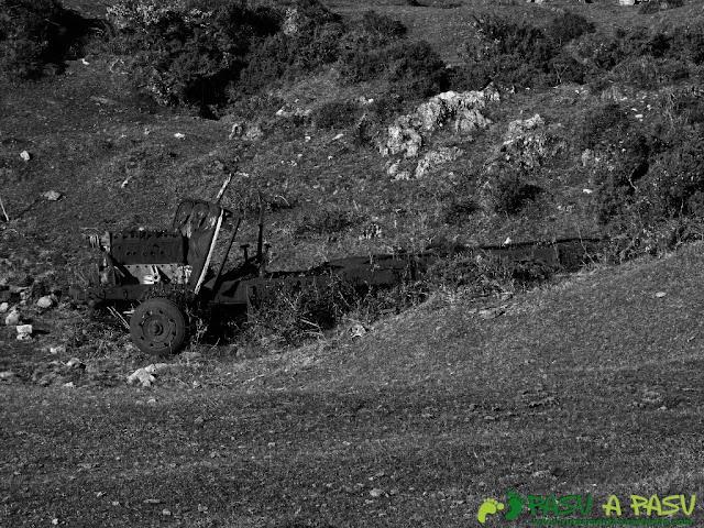 Camión abandonado en las Minas del Pilar, El Cuera