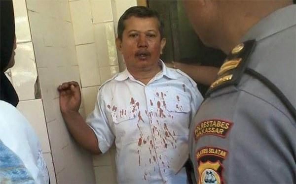 Dasrul guru yang di pukuli oleh murid didiknya