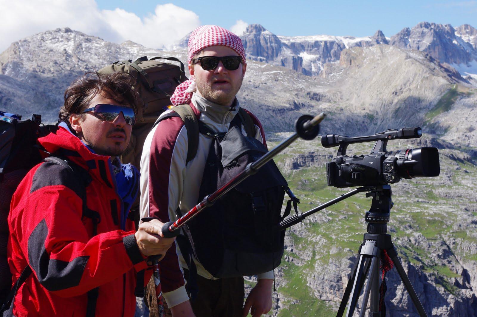 Internet Zeitung: Dr. Alexander Lukeneder zeigt Fossilien