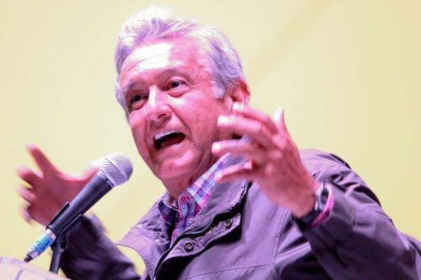 """""""Soy de los pocos políticos de este país que tiene las manos limpias"""": Obrador"""