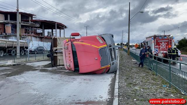 ⚠️Camión volcó en la ruta Ruta V-505 Puerto Montt
