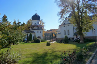 Крехов. Монастырь св. Николая. Надвратная башня и церковь св. Николая