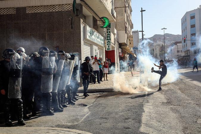 نيويورك تايمز : حراك الريف حطم أسطورة الاستقرار المغربي