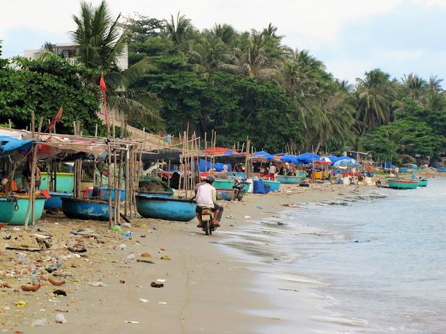 empty seafood market mui ne vietnam