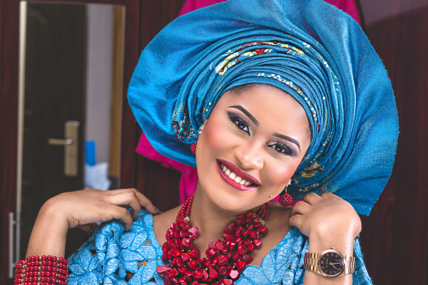 b4702b916c1 Check out these Stunning Nigerian Traditional Monotonous Makeovers ...