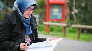 Semakin Inspiratif di Usia Cantik. Motivator Tuli, Galuh Sukmara Soejanto, S.Psi, M.A.