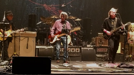 Live Bootlegs: Neil Young and Crazy Horse - Live @ Warnors Theatre