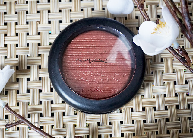 Mac Extra Dimension Blush Hard to Get | bellanoirbeauty.com