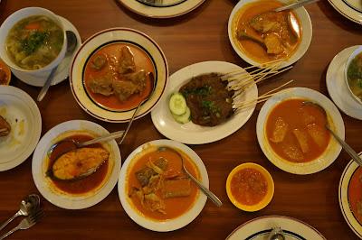 Makanan melayu di Restoran Sahara, Jalan Tanjung Pura Pontianak