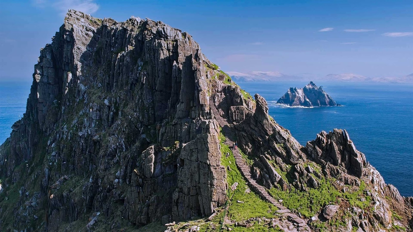 The Skellig Islands, Skellig Michael and Little Skellig, in Ireland © Design Pics/DanitaDelimont.com