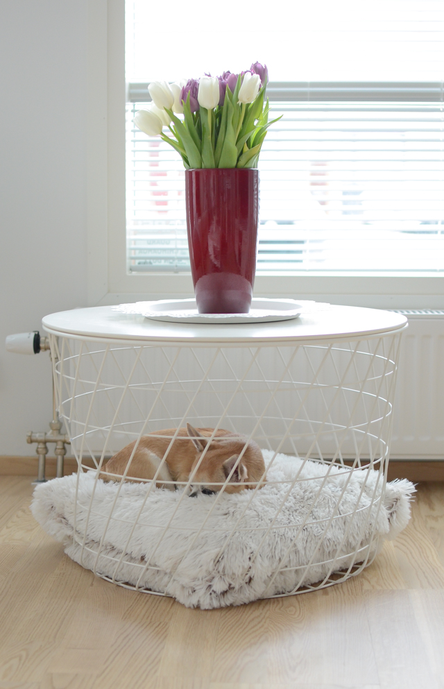 Kvistbro Ikea sivupöytä