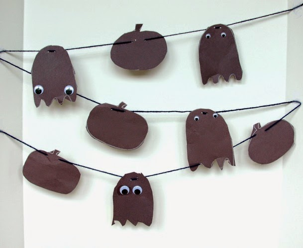 Halloween craft for click clack boo, shadow garland book extension