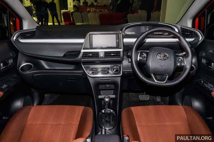 Foto ruang interior Toyota Sienta Baru 2016