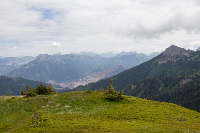 Blick vom Kragelschinken zum Erzberg | Theklasteig | Eisenerzer Alpen Höhenweg