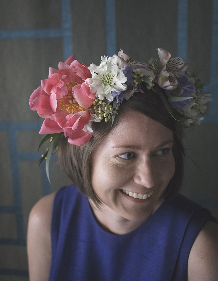 Floral crown workshop at Johanna Gullichsen photo by Kreetta Järvenpää