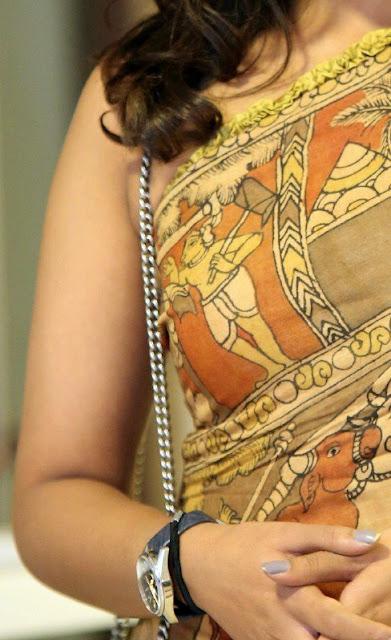 Madhu Shalini nude sexy hand sleeveless dress naked shoulder picture