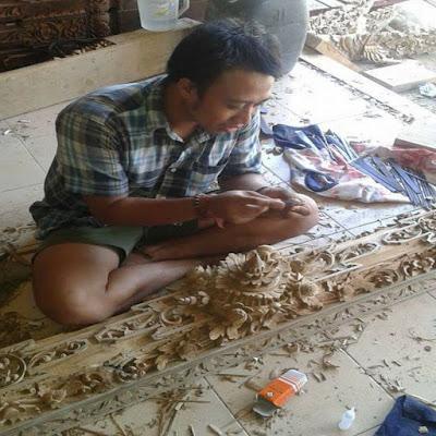 Desa Sumita Gianyar Terkenal Karena Ukirannya Yang Memukau