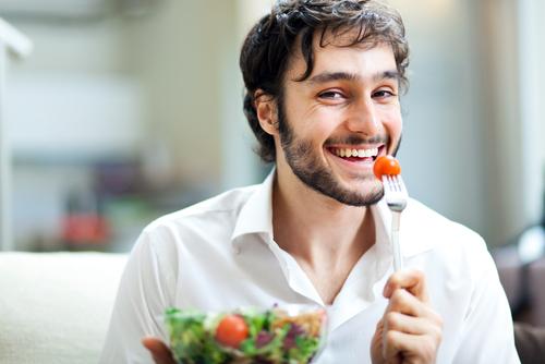 Kenali Sifat Lelaki Melalui 6 Gaya Makan Ini
