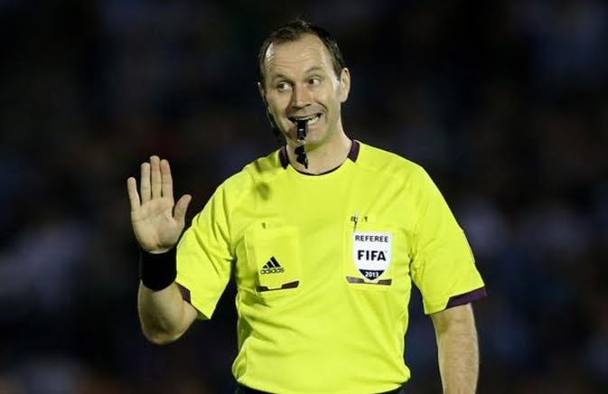 Incredibili errori dell'arbitro Eriksson in Arsenal-Milan