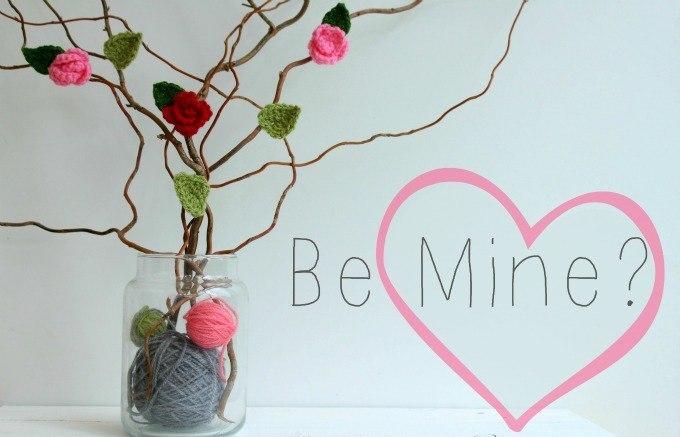 crocheted valentine roses
