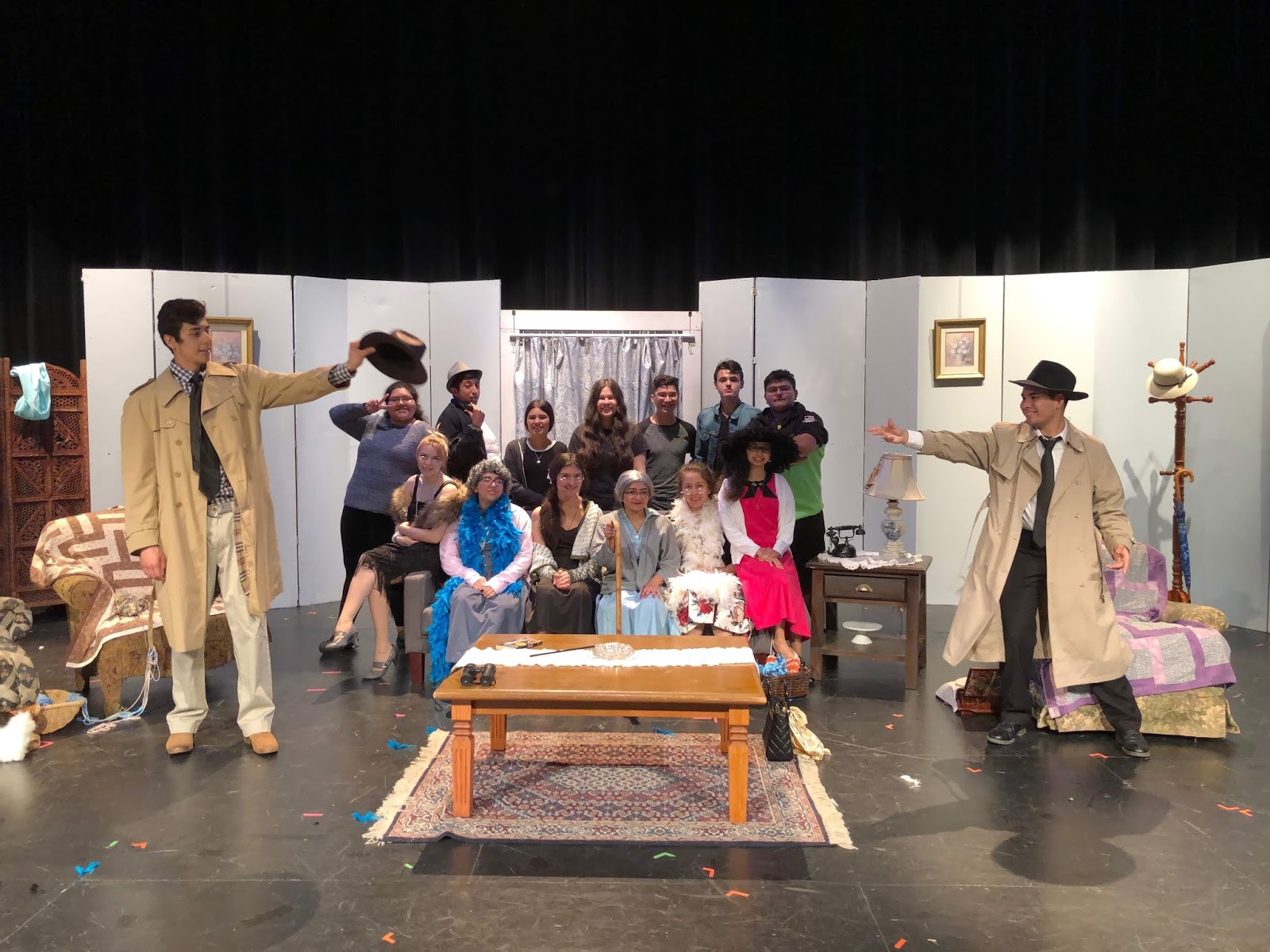Eagle Pass ISD - iVision: EPHS One Act Play Sets the Stage