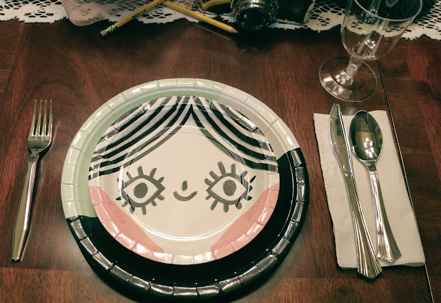 eye spy party plates with utensils for placesetting