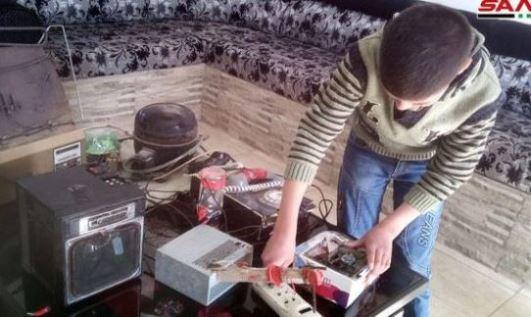 هاشم الحسن من مدينة السويداء يصمم أدوات كهربائية من مخلفات الأجهزة القديمة