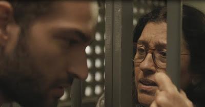 Lurdes fica aliviada ao conversar com Sandro — Foto: TV Globo
