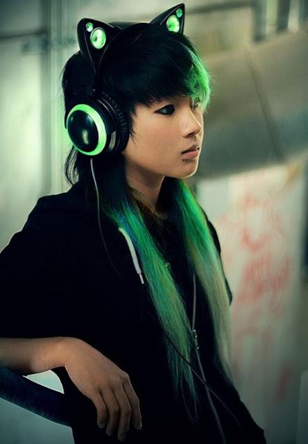 Audífonos con orejas de gato diseñados por Axent Wear
