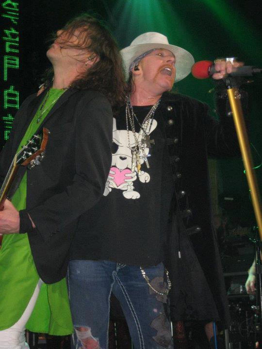"""gunsnfnroses: Robin Finck and """"Brain"""" Mantia join Guns N ..."""