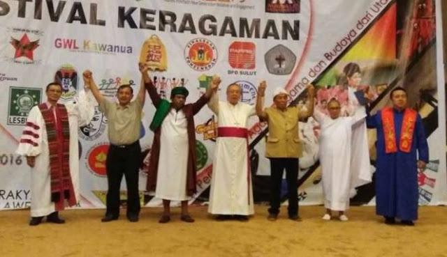 Parah! Berdalih Atas Nama Toleransi, Di Gedung DPRD Ini Shalawat Digabungkan Dengan Lagu Natal