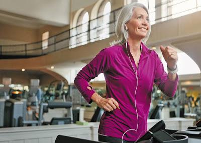 Занятия спортом в среднем возрасте снижают риск деменции в старости.