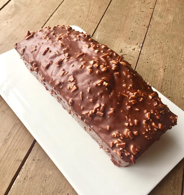 J 39 en reste baba cake marbr et gla age rocher chocolat au lait clats d 39 amandes - Glacage pour eclair au chocolat ...